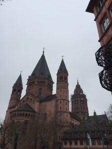 Die Außenansicht des Mainzer Doms