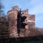 Im Krieg zerstörter Burgturm